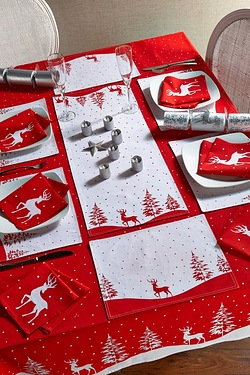 12-Piece Red Reindeer Placemat and ...