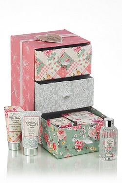 Vintage Bouquet - Perfect Pamper Dr...