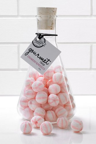 Image for Gourmet Flask Bon Bons - Strawberry and Prosecco from studio