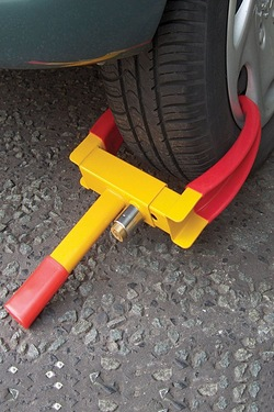 Easy and Quick Wheel Clamp