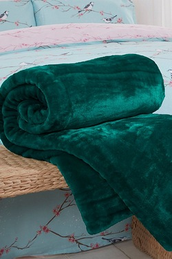 Heavyweight Faux Fur Throw