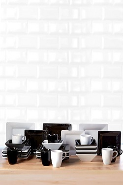 32-Piece Black & White Madison Dinn...