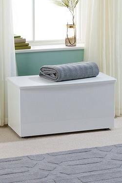 Manhattan Blanket Box