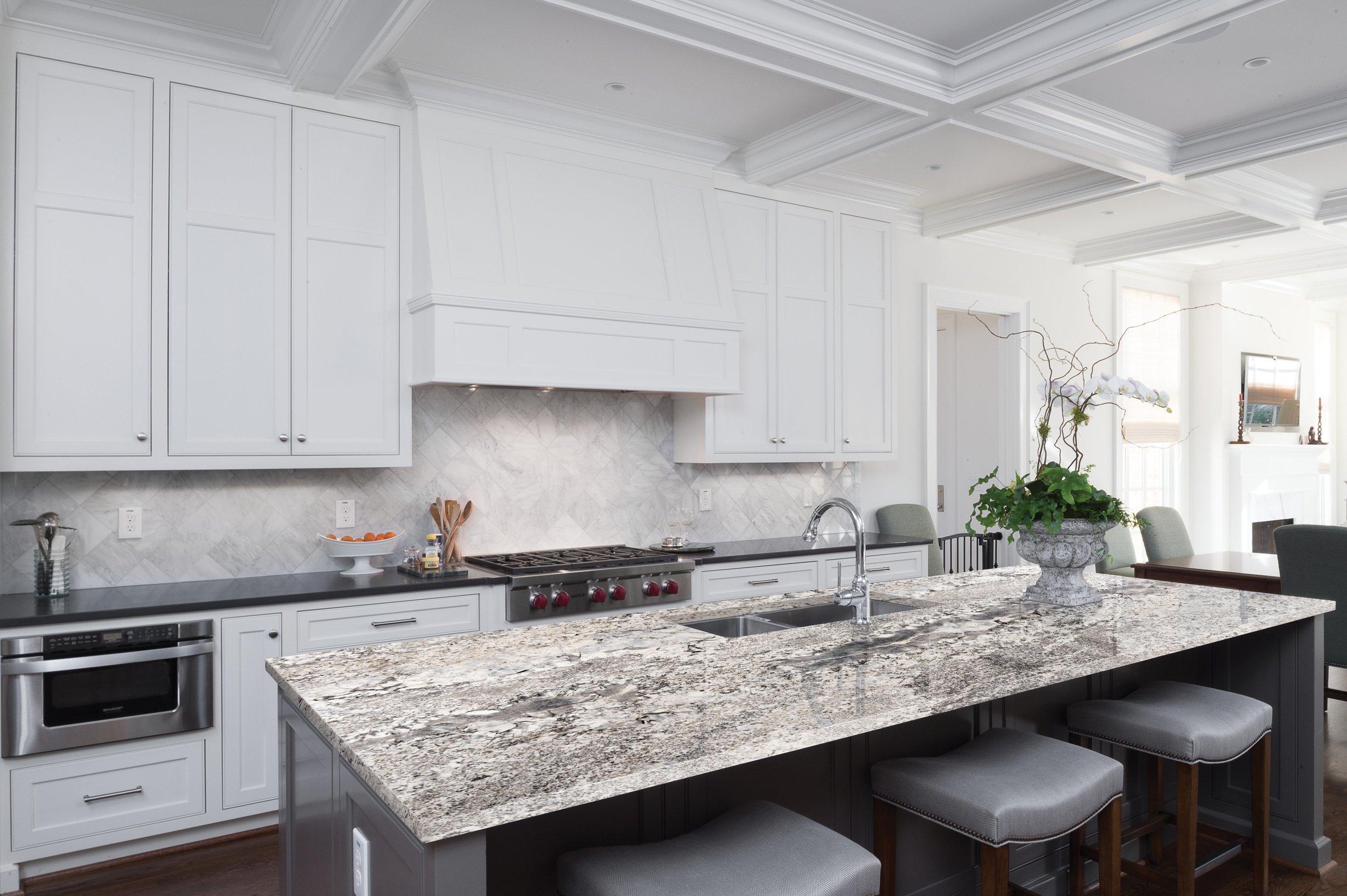 Ready To Install Antico White Granite Slab Includes Backsplash 112 X 26 100220979 Floor And Decor