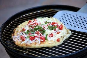 BBQ grilled pizza