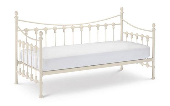 Selina bed