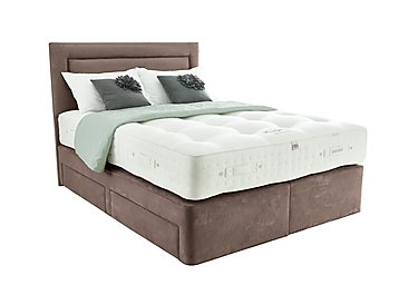 Boutique 1700 Divan Set