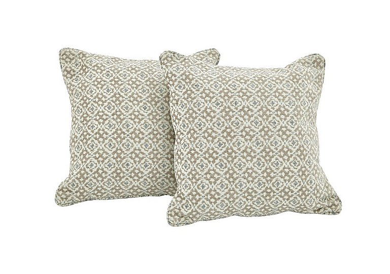 Reigate Pair of Scatter Cushions in S364 Beige on FV
