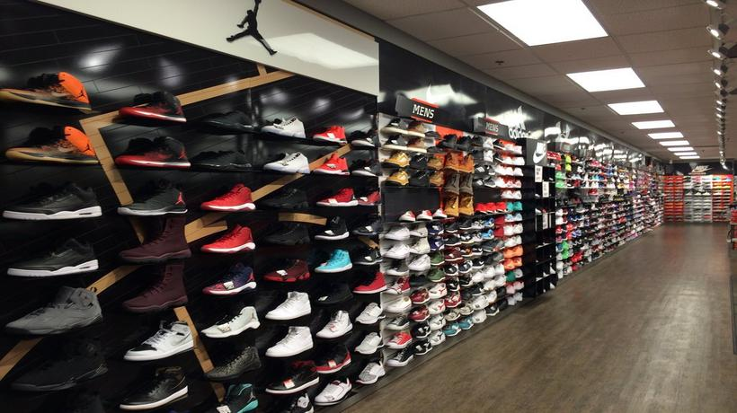 Hibbett Sports store or outlet store located in Concord, North Carolina - Carolina Mall location, address: Concord Pkwy North, Concord, North Carolina - NC Find information about hours, locations, online information and users ratings and reviews.