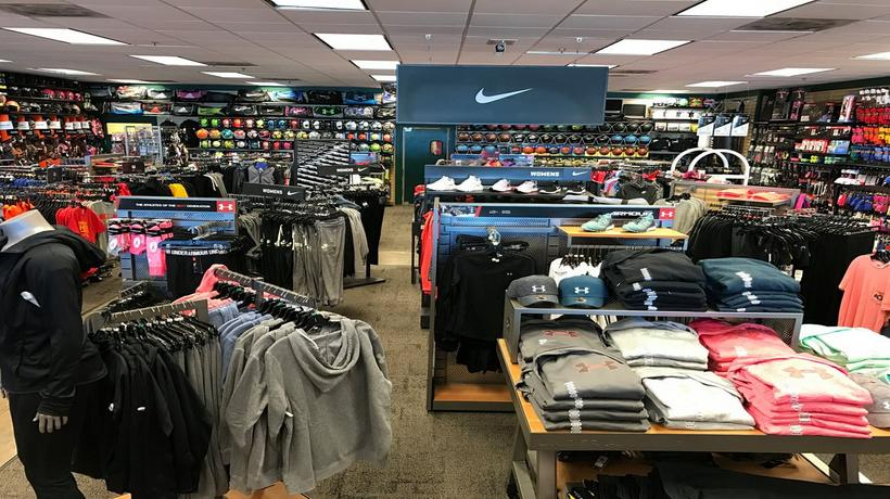 Skechers in Garden City, Kansas: complete list of store locations, hours, holiday hours, phone numbers, and services. Find Skechers location near you.
