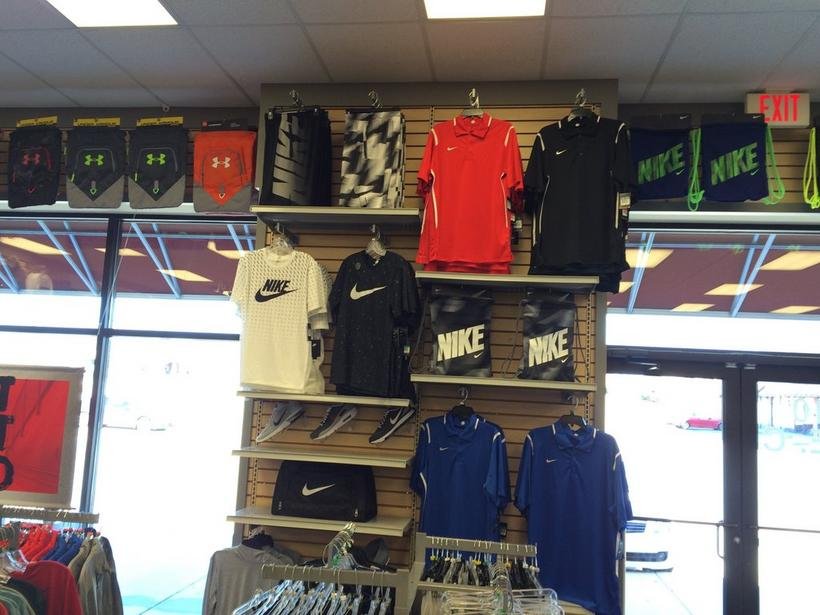 Top Guns in Cookeville, reviews by real people. Yelp is a fun and easy way to find, recommend and talk about what's great and not so great in Cookeville and beyond. Top Guns - Sporting Goods - Burgess Falls Rd, Cookeville, TN, United States - Phone Number - Yelp.