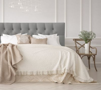Imperial Tufted Linen Headboard