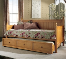 Casey Daybed Honey Maple