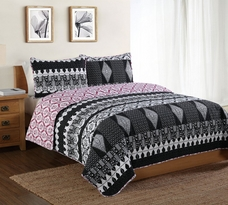 Black and White Scroll Quilt Set