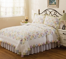 Summer Porch Quilt by American Traditions