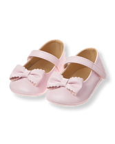 Scalloped Bow Crib Shoe