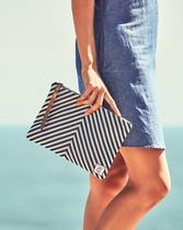 Chic Shop Chevron Pouch