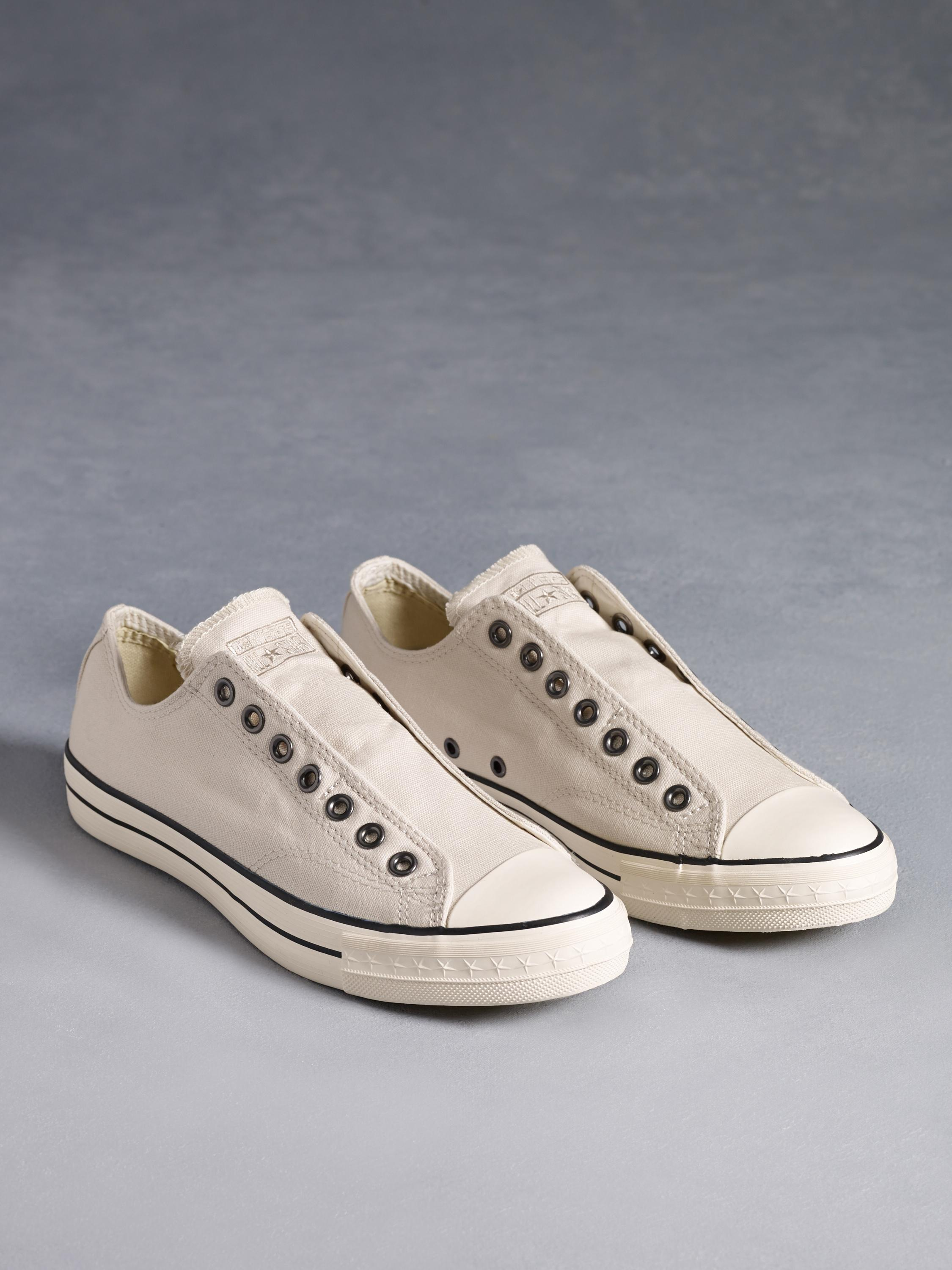Chuck Taylor Low Top Laceless
