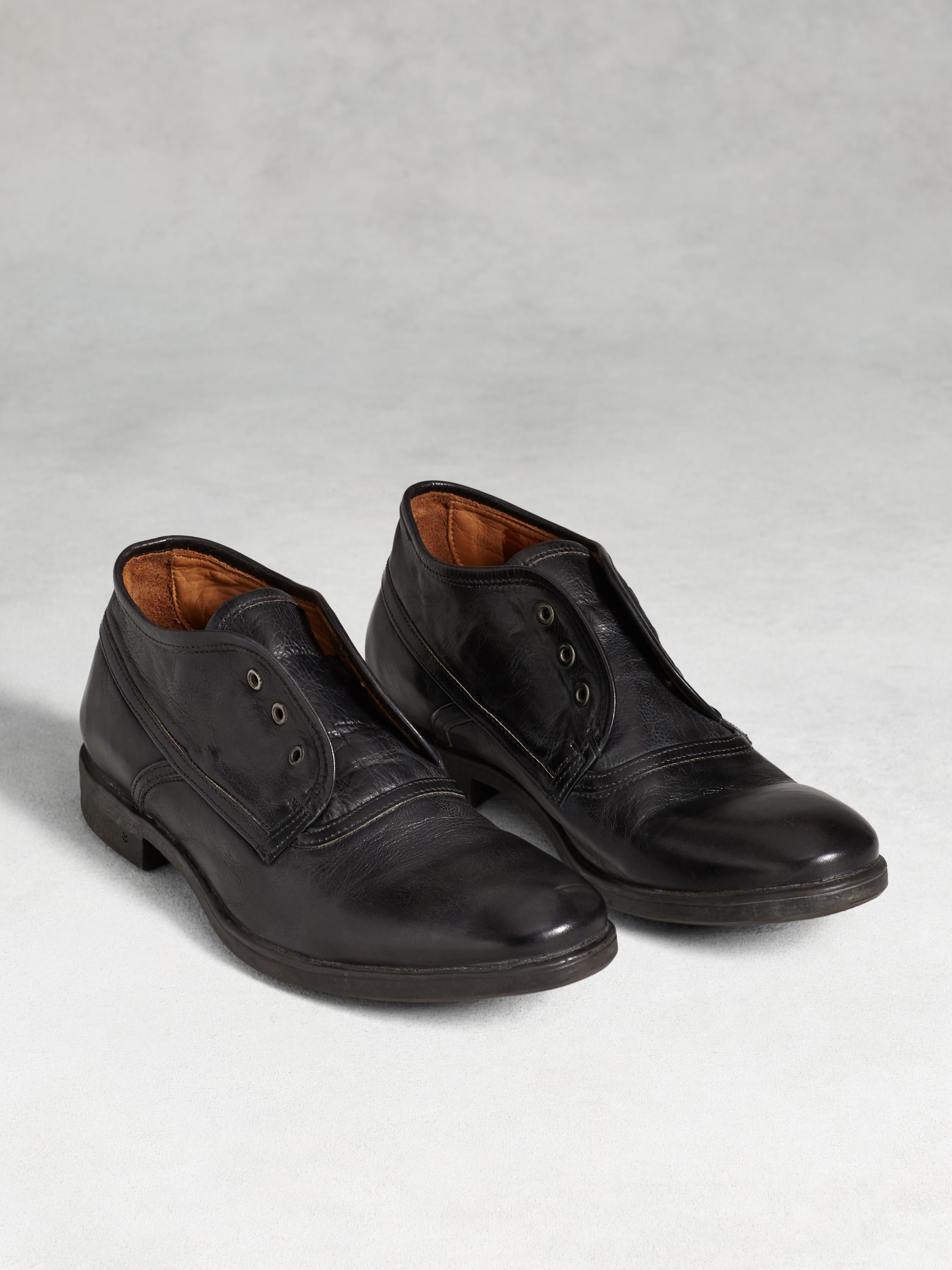 Dylan Bound Chukka Boot