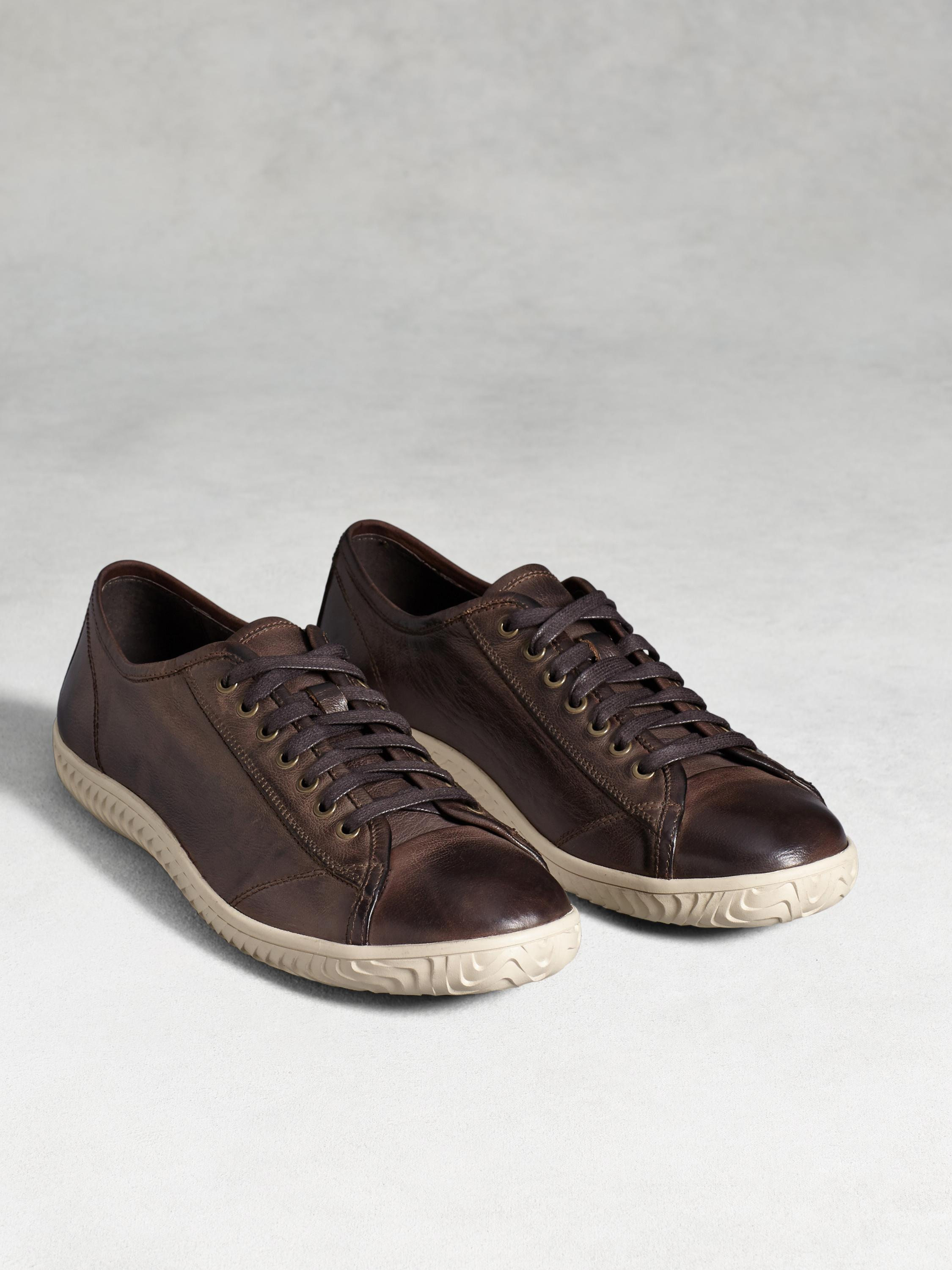 Hattan Low Top Sneaker