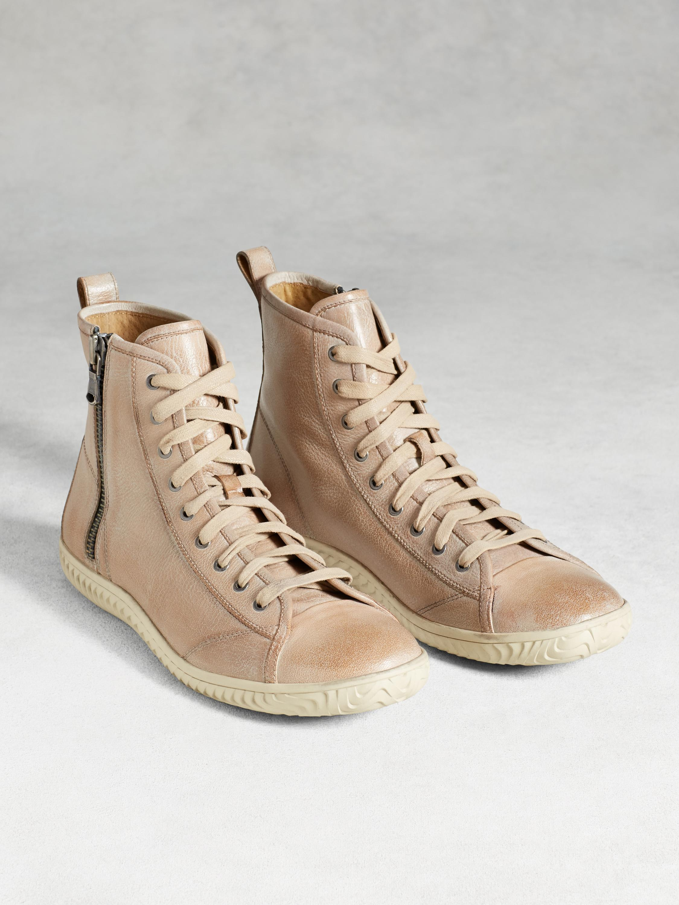 Hattan High Top Sneaker