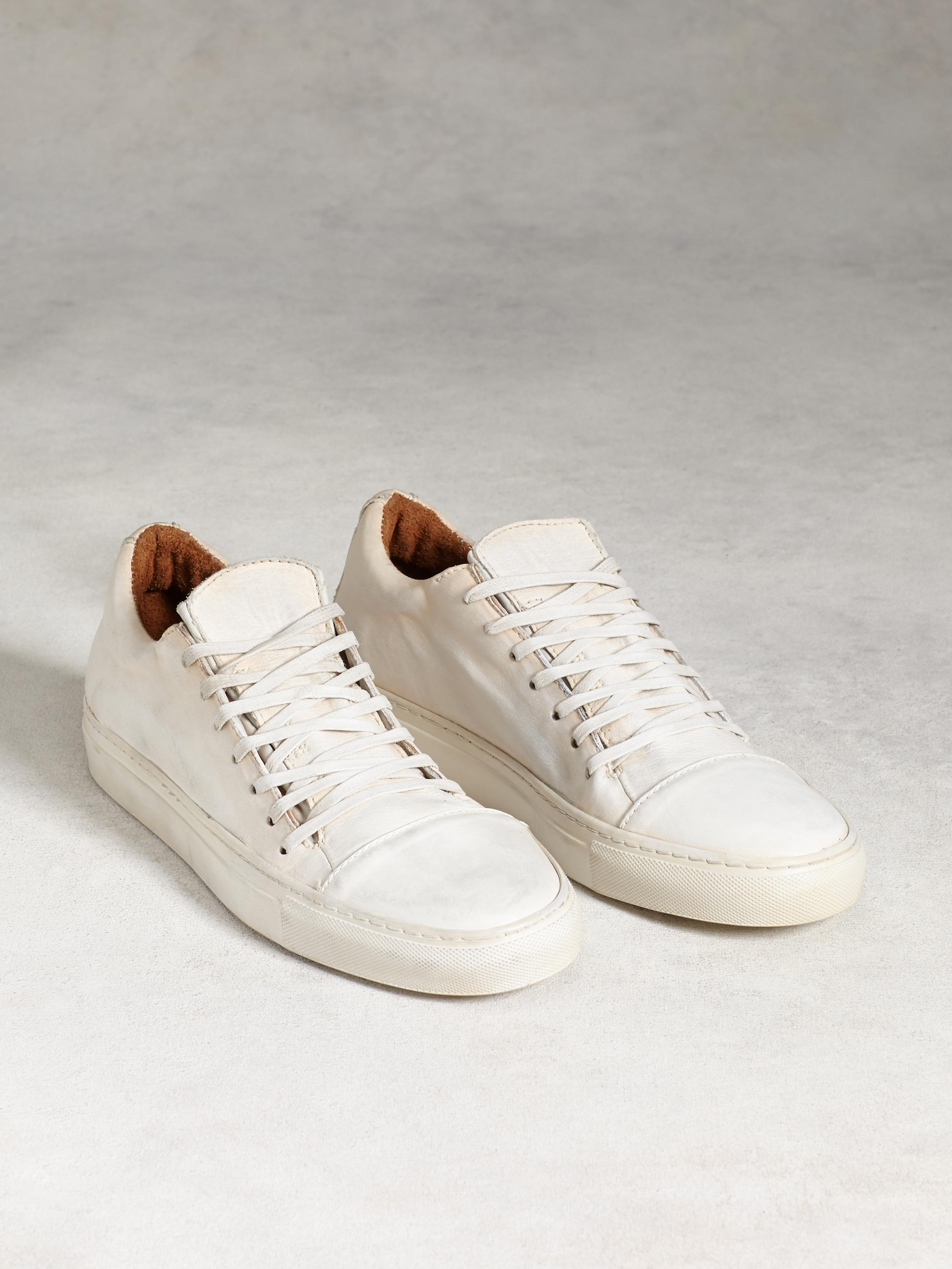 315 Reed Low Top Sneaker