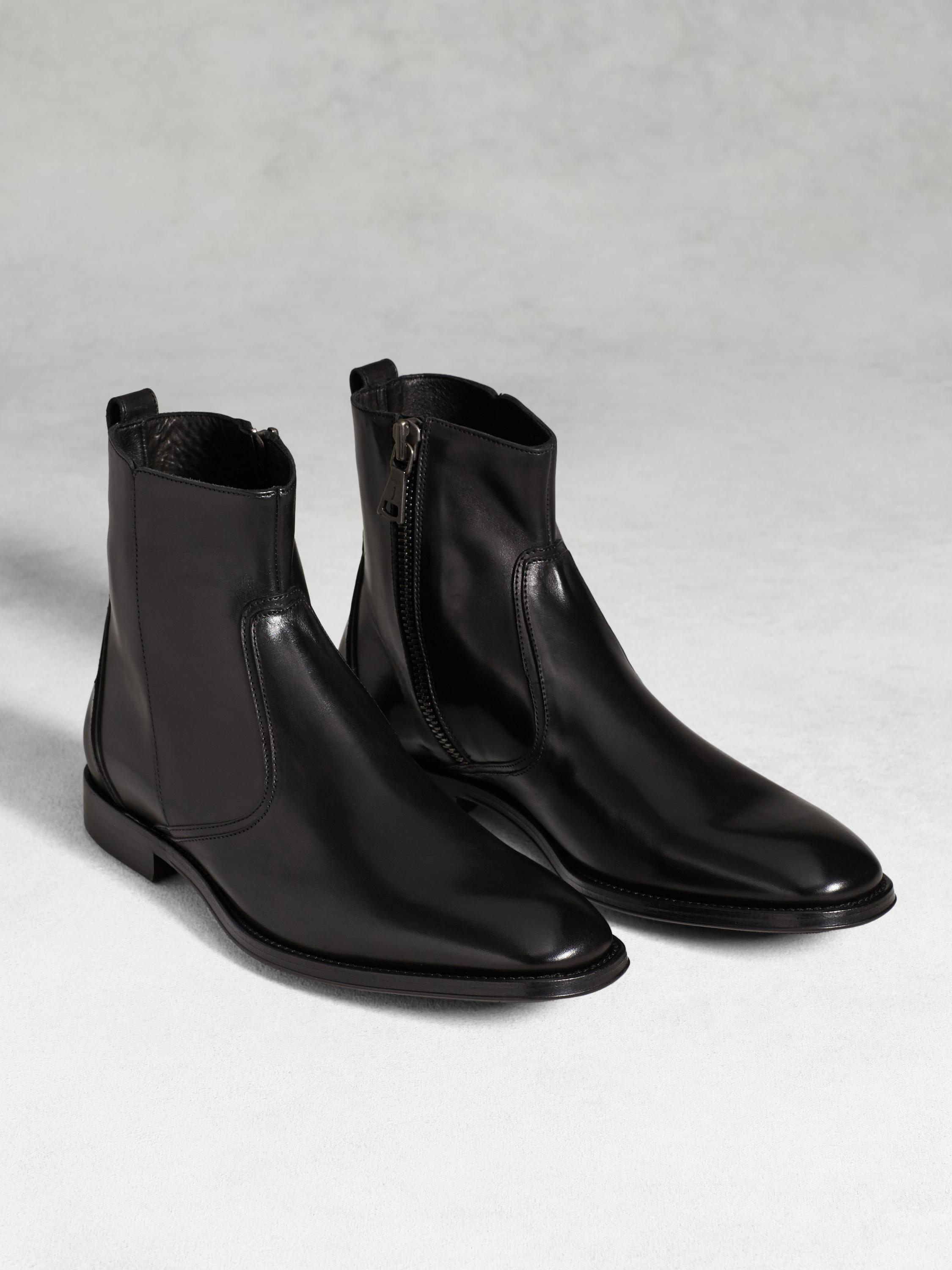 Traveler Zip Boot