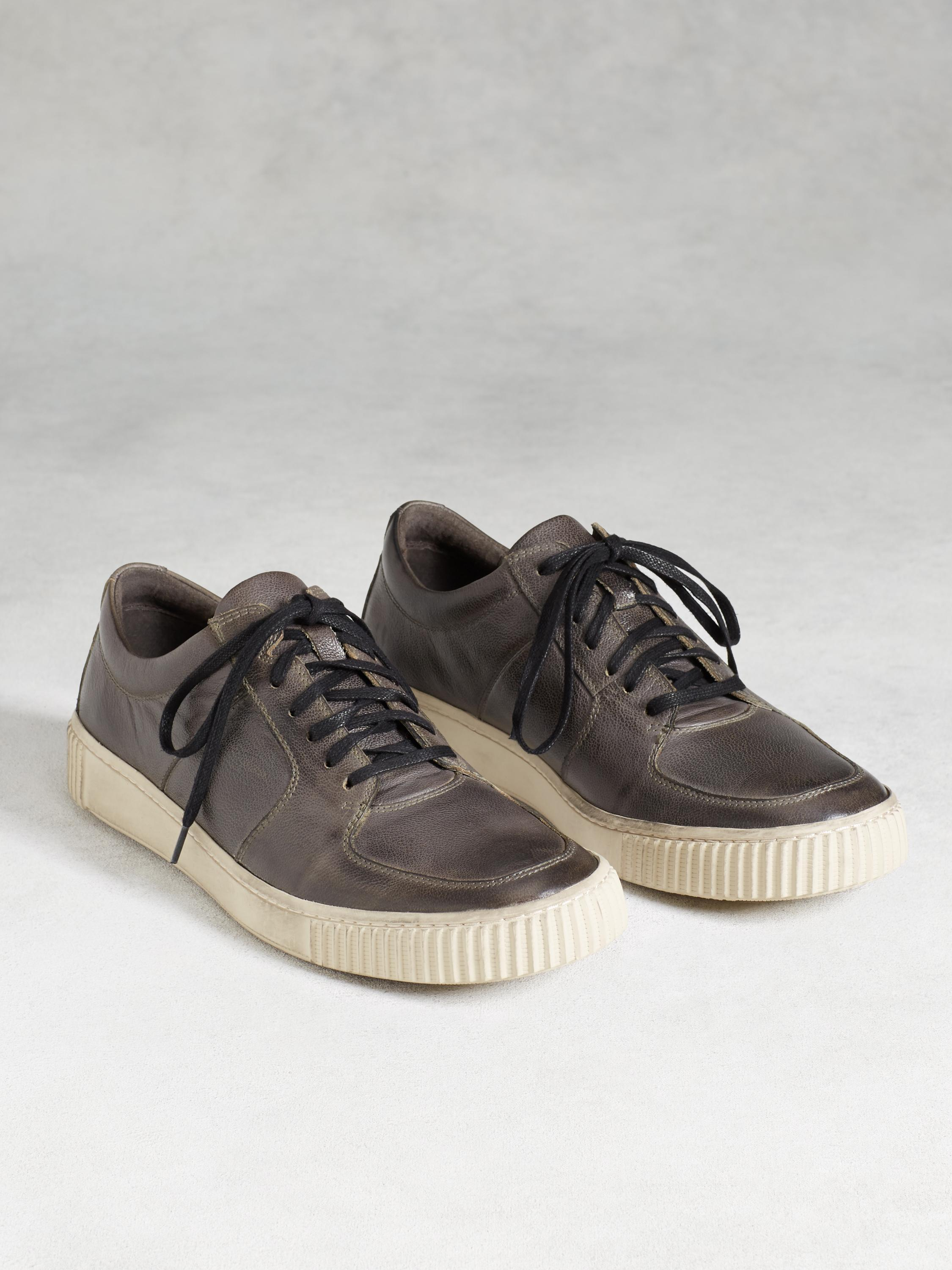 Bedford Low Top Sneaker