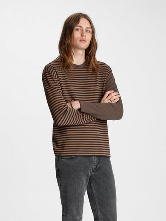 Contrast Sleeve Stripe Crewneck