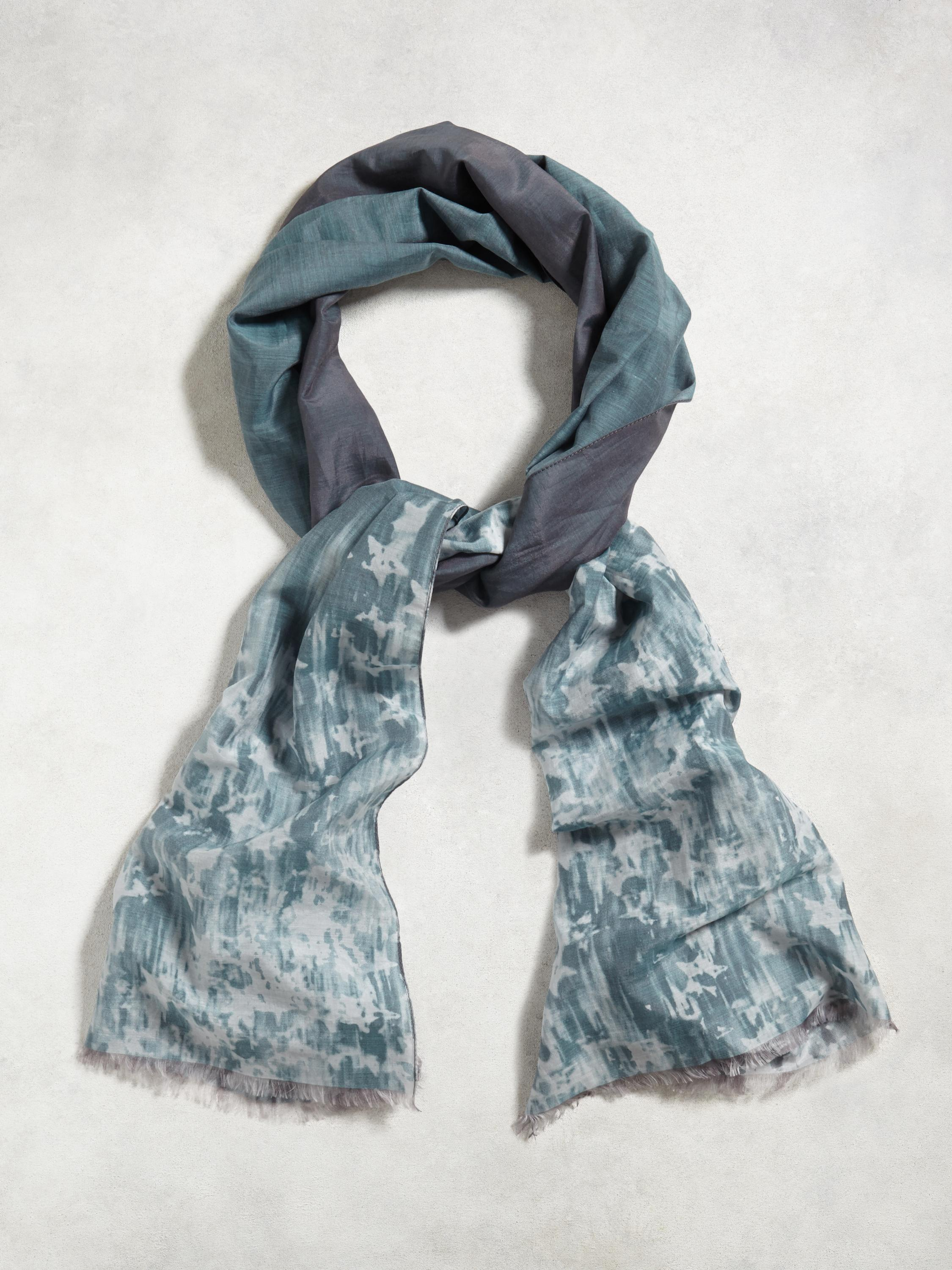 Ombre Star Print Scarf