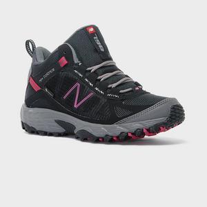 New Balance Women's 790 Light Approach Shoe