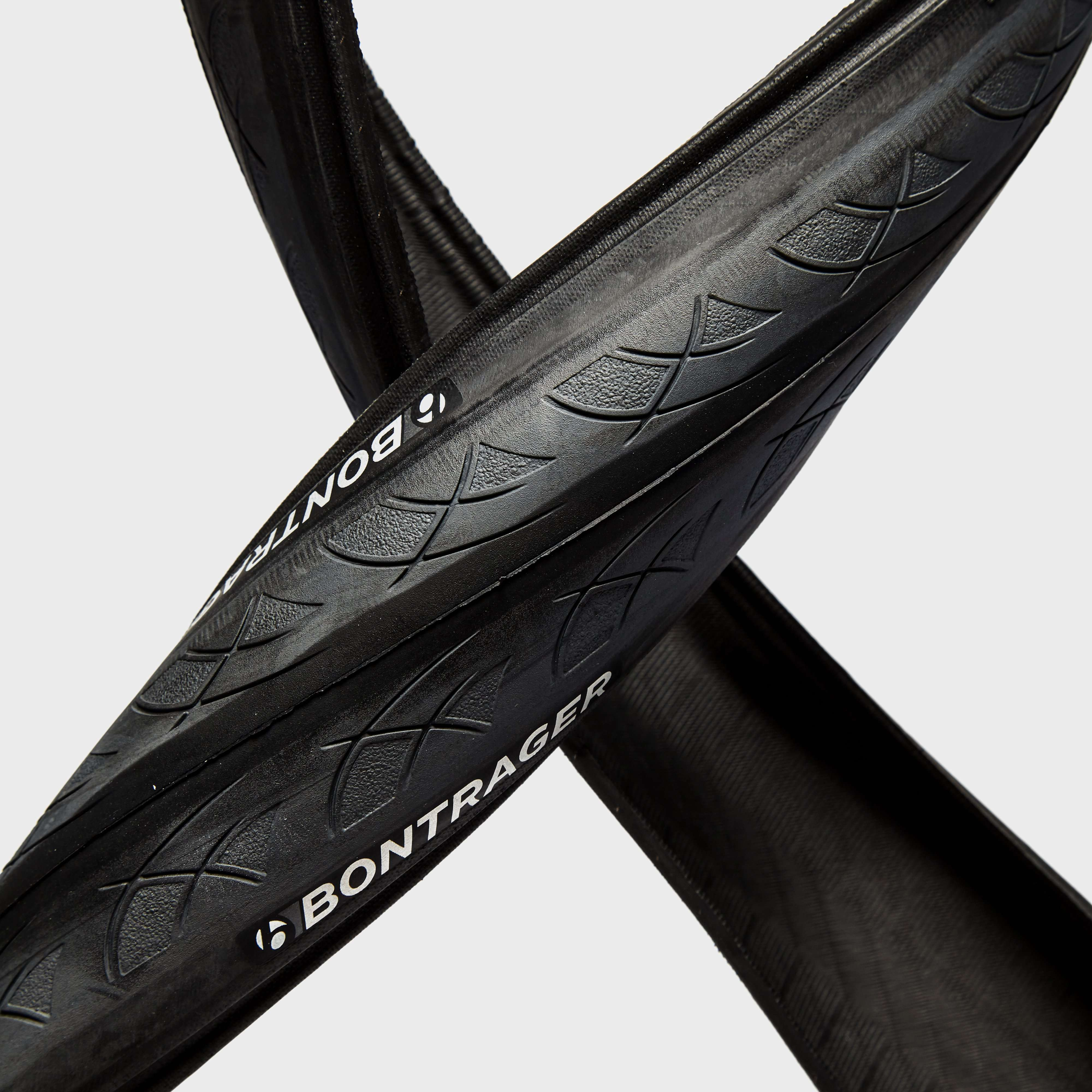 BONTRAGER 700 x 28C AW1 Hard-Case Lite Wired Road Tyre