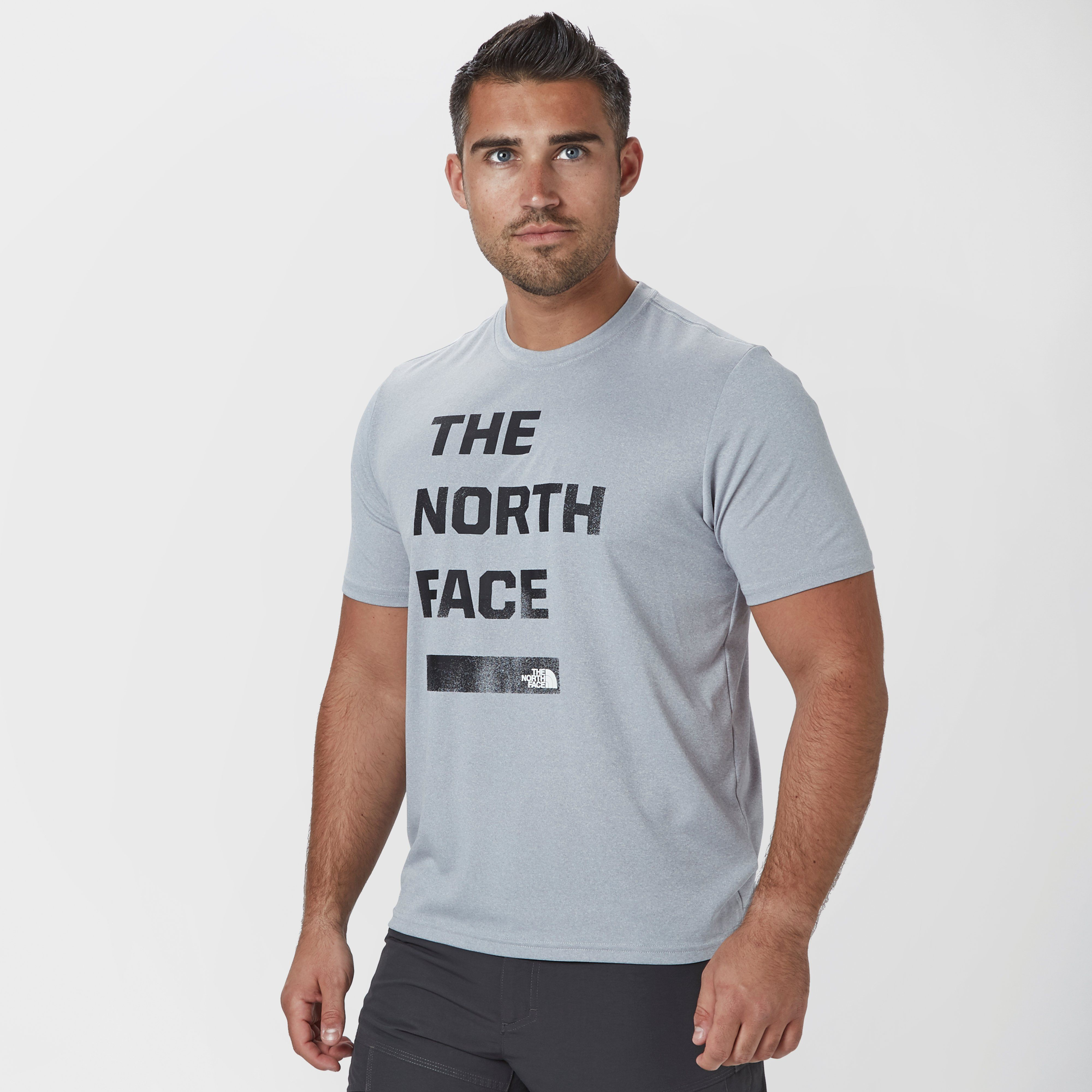 THE NORTH FACE Men's Mountain Athletics Reaxion T-Shirt