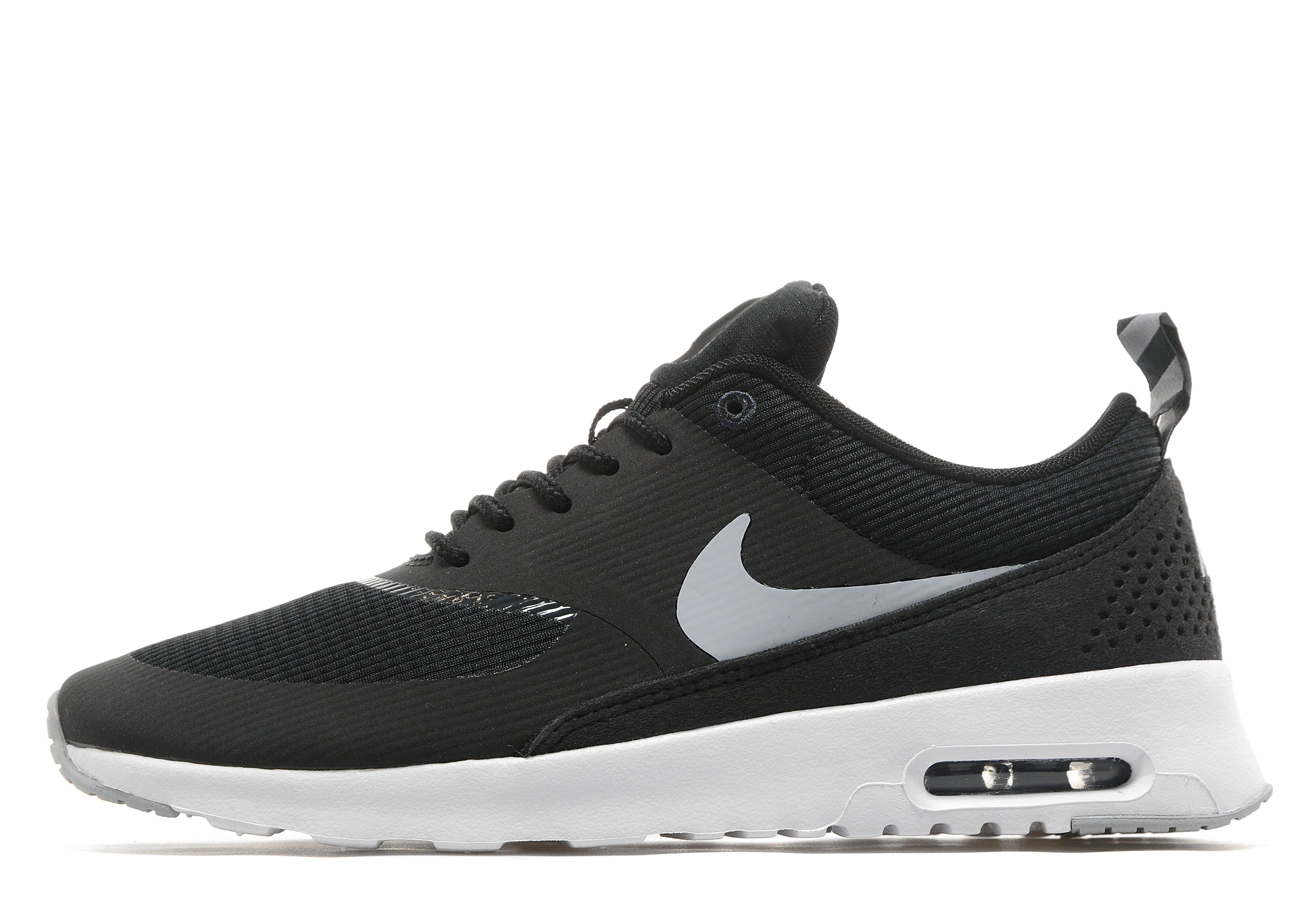 Black Nike Trainers With White Tick