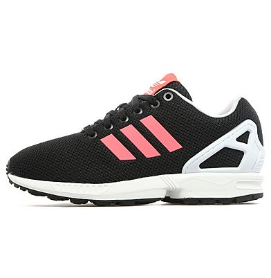 JD Sports is the leading trainers & sports fashion retailer stocking big brands including Nike and adidas. Shop online today for the best prices and exclusive colourways!
