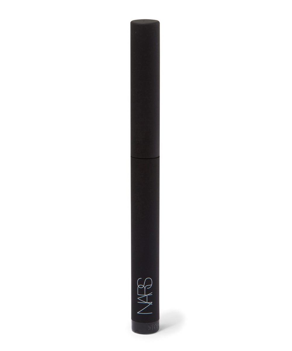 Velvet Shadow Stick in Flibuste