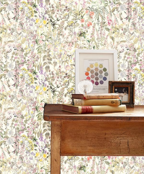 Charlotte Wallpaper in Catherine Cream