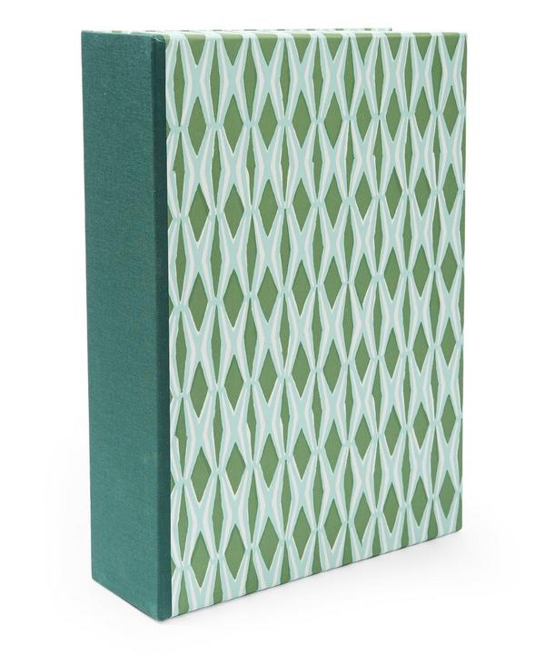 Smocking Patterned A4 Box File