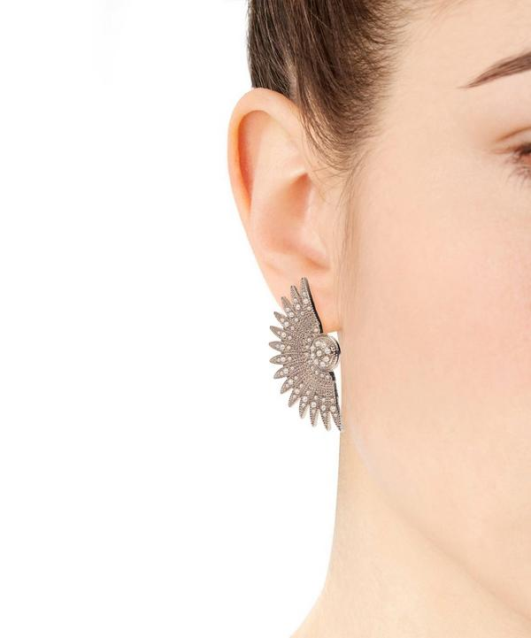 Tulia Pearl Stud Earrings
