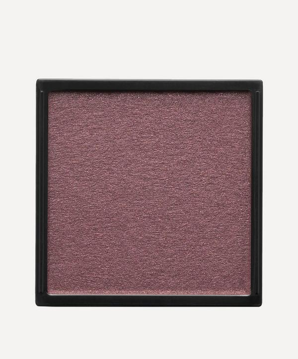 Eyeshadow in Lie de Vin
