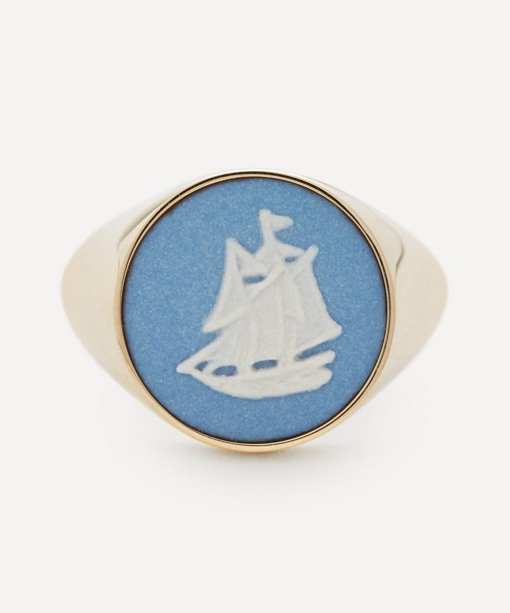 Gold Wedgwood Sailboat Round Signet Ring
