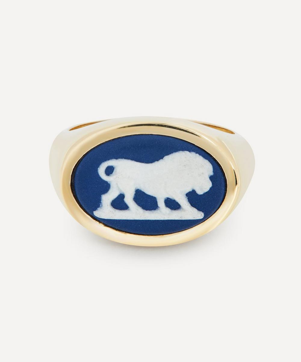 Gold Wedgwood Lion Oval Signet Ring