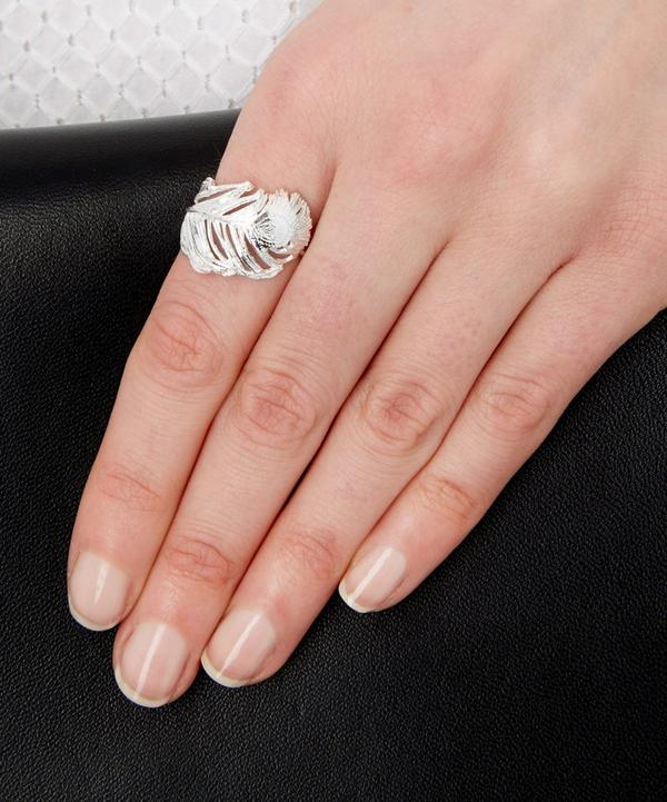 Big Curled Peacock Feather Ring