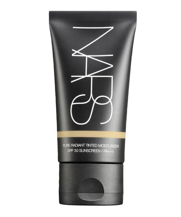 Pure Radiant Tinted Moisturiser SPF30 in Martinique