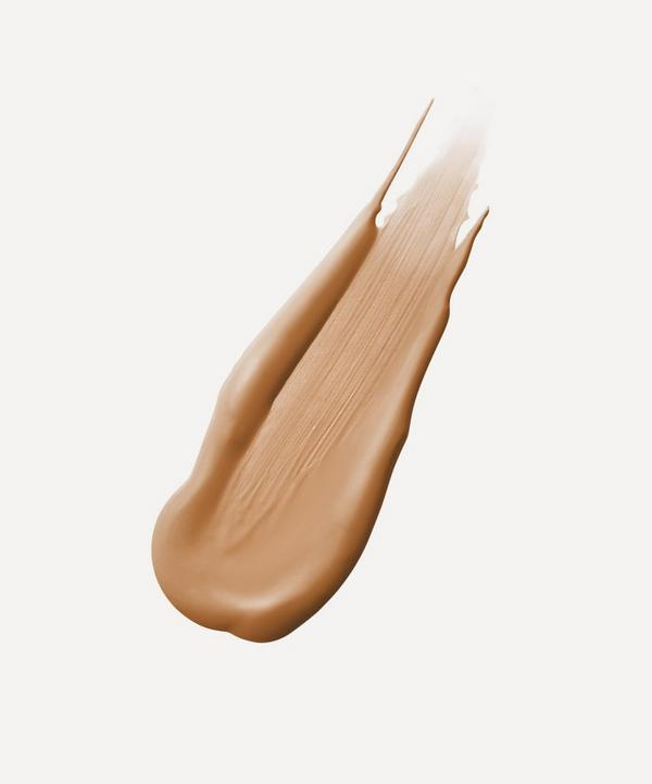 Immaculate Liquid Powder Foundation in Beige
