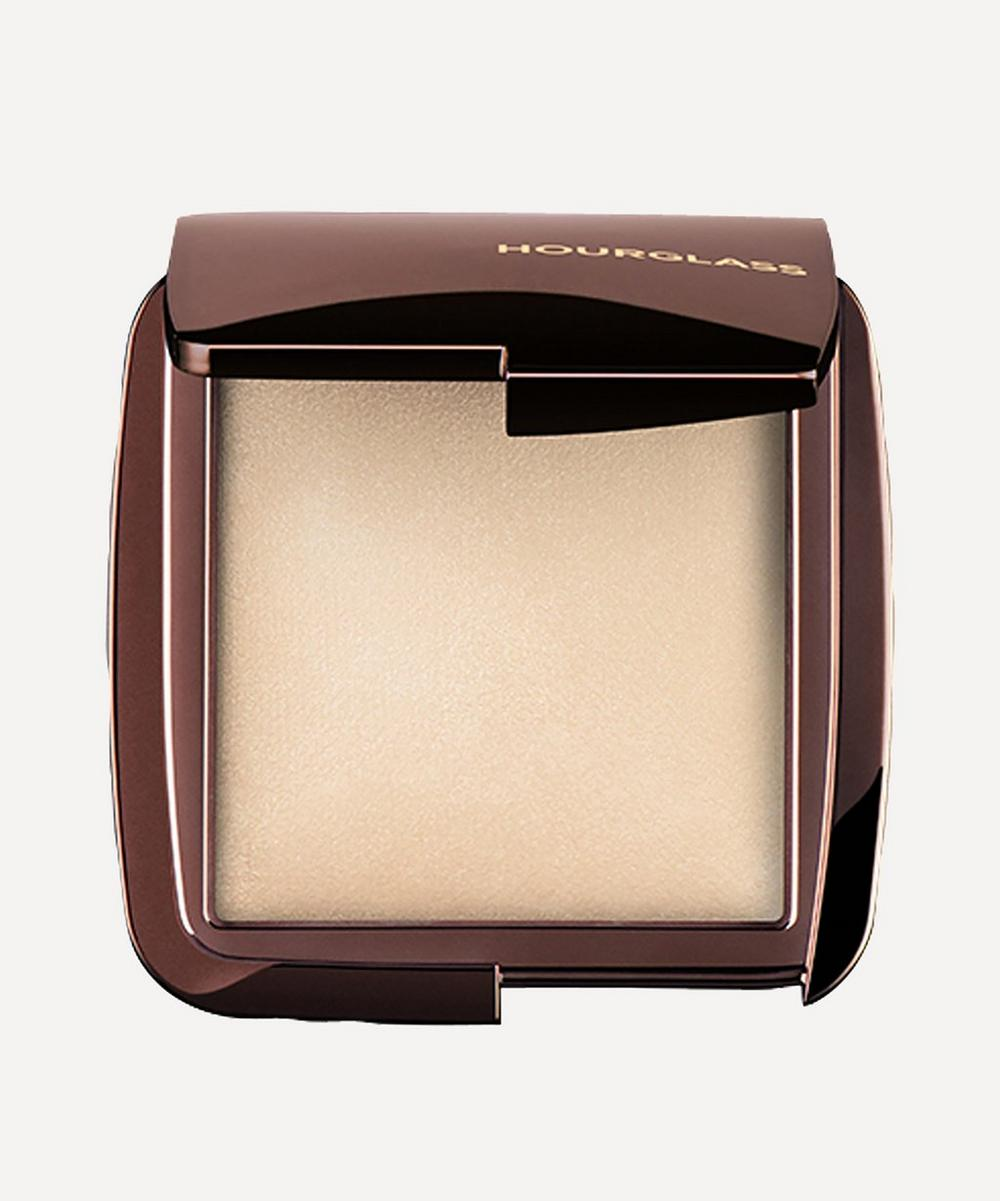 Ambient Lighting Powder in Diffused Light