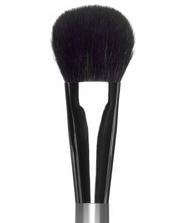 2b Sheer Blush Brush