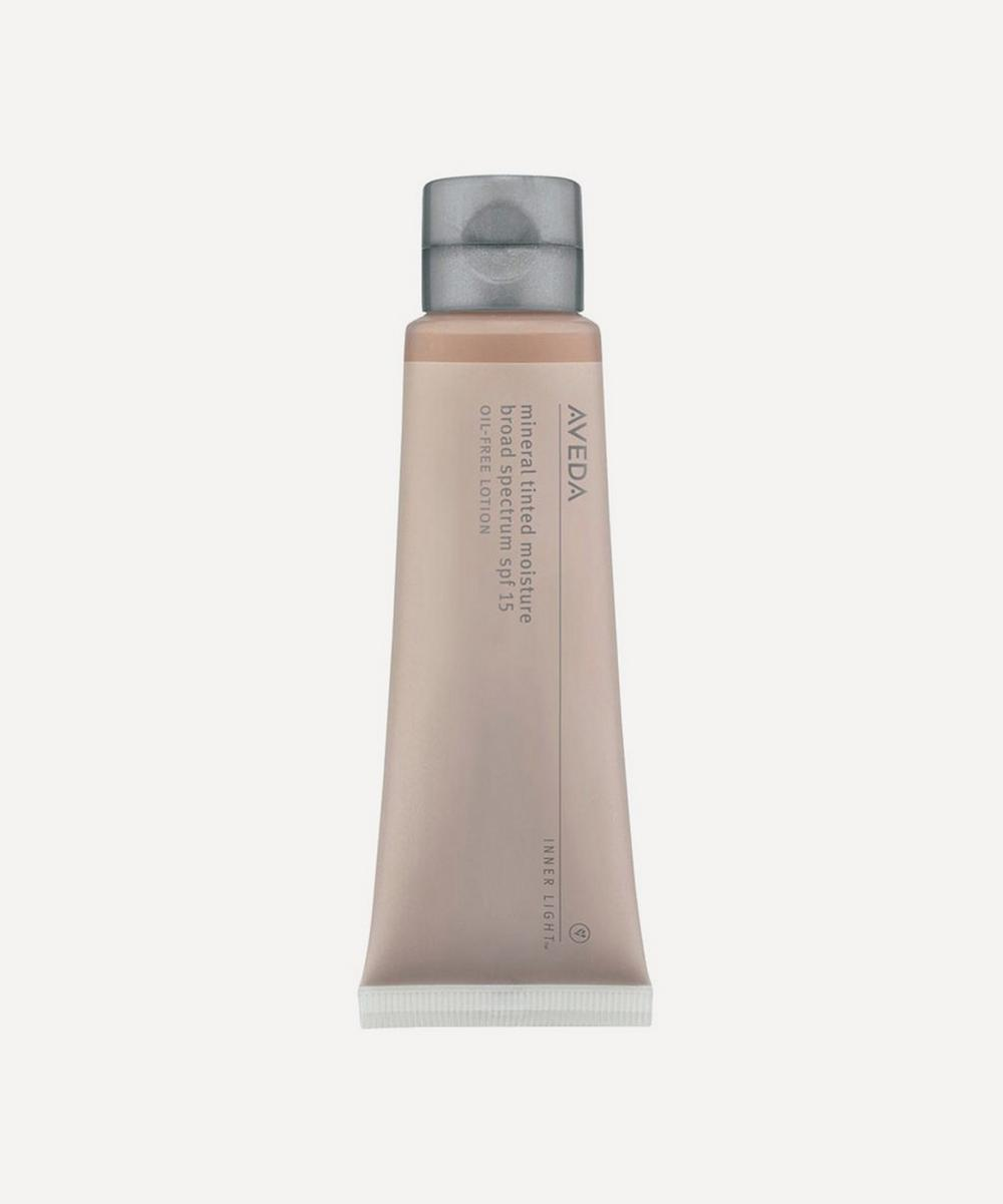 Inner Light Mineral Tinted Moisturiser in Bark