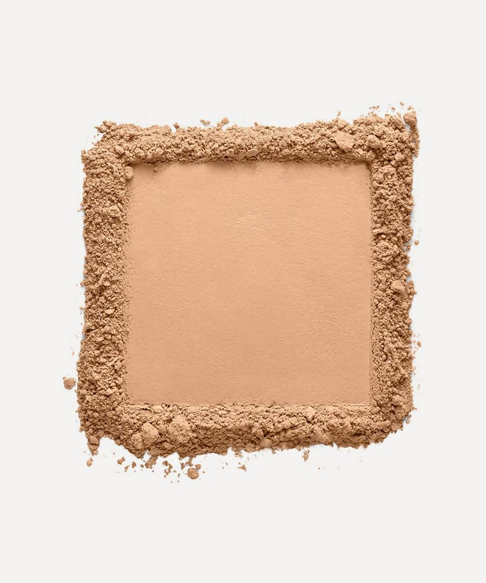 Luminous Powder Foundation in Deauville