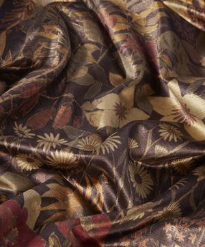 Faira Flowers Velvet in Woodpecker